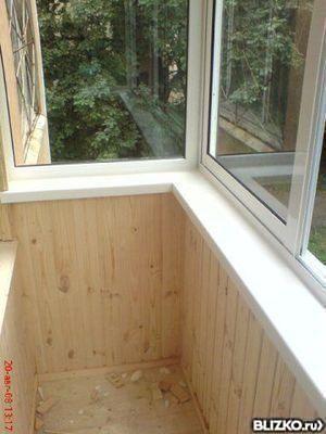 Установка пластикового подоконника на балкон (без выноса) в .